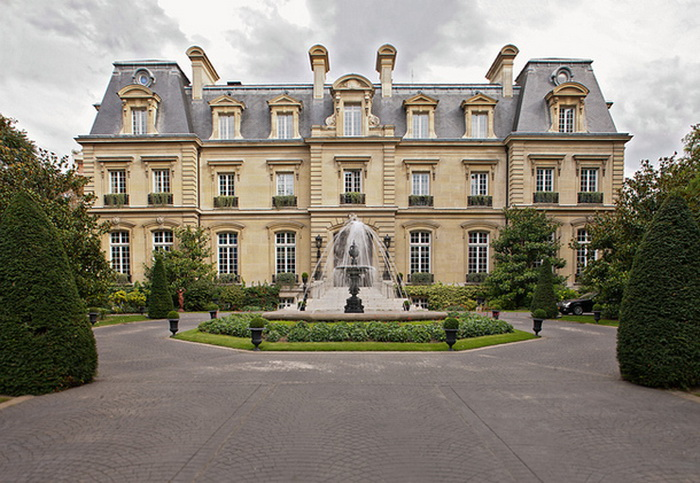 Отель Saint James в Париже